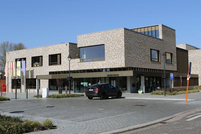 Illustratiefoto van het gemeentehuis van Laakdal.