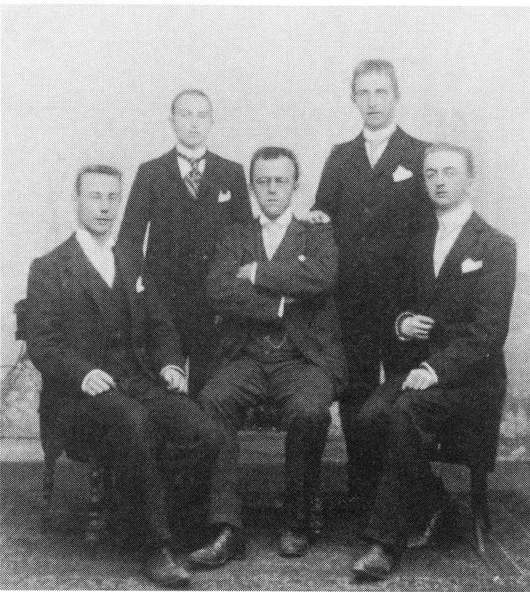 De stichtende leden in 1904. In het midden zit Jef Goossenaerts. Hij kreeg een straat in Essen.