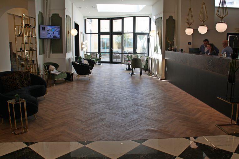 C-Hotels Continental in De Panne is open. De ruime inkom met zicht op de binnentuin