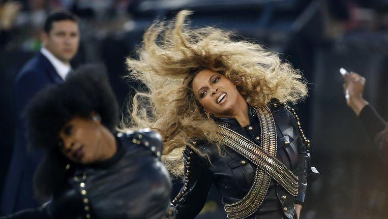 Beyoncé tijdens de rust van de American footballfinale, Super Bowl Beeld ap