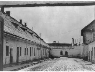 Nazi's bouwden concentratiekamp om tot 'gezellig' dorpje om wereld te doen geloven dat geruchten over Holocaust leugens waren