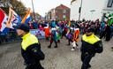 Demonstratie van de NVU bij de intocht van Sinterklaas in Maassluis vorig jaar.