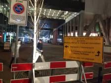 Onderdoorgang naar Centraal Station afgesloten omdat glasplaten naar beneden kunnen waaien
