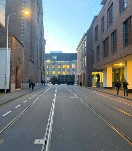LIVE   Haagse binnenstad afgesloten met legervrachtwagens