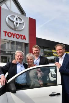 Drive-inbioscoop bij autobedrijf Peterman in Enschede: 'McDonald's en KFC zullen vast blij zijn'