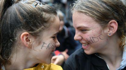 Bezorgde leerlingen Sint-Pieterscollege geven rapport aan hun school. En ze waren niet mals…