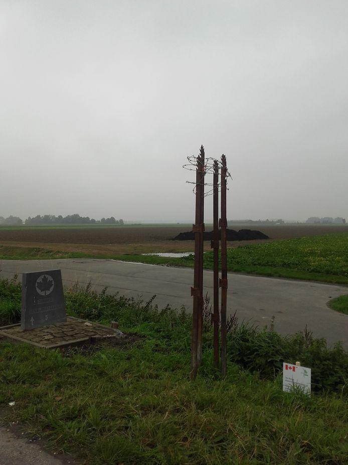 Aan de Oranjedijk bij IJzendijke gestolen kunstwerk van Ton Koops.