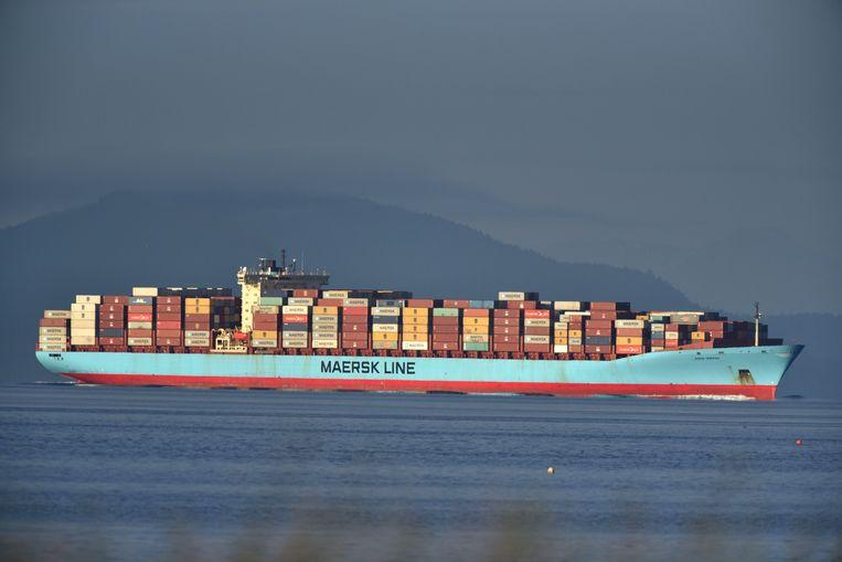 Een vrachtschip met 69 containers afval arriveert in de haven van Tsawwassen.