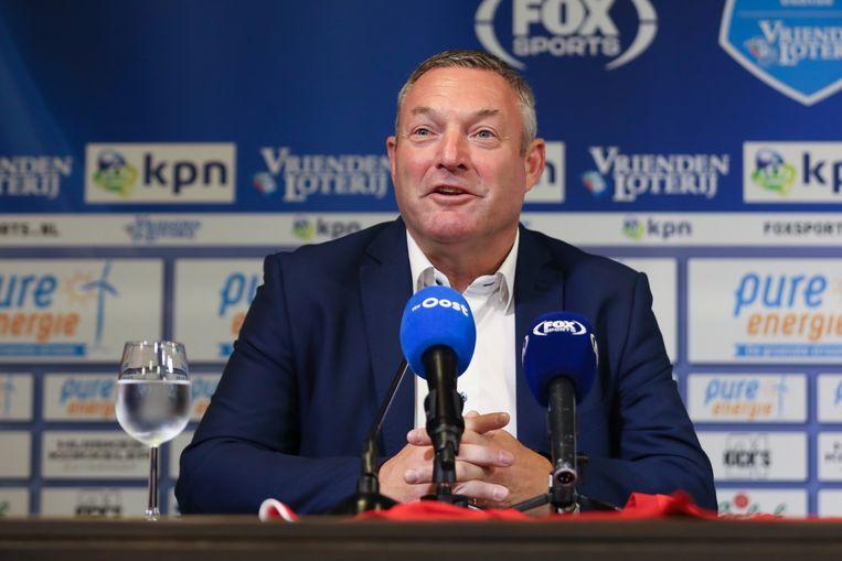 Ron Jans, voetbaltrainer, heeft een eenjarig contract getekend bij FC Twente. Beeld Getty Images