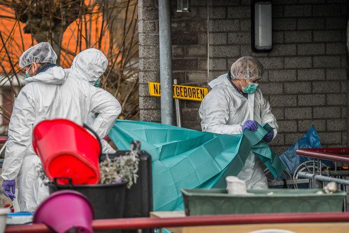 Sporenonderzoek na de moord in Den Hoorn.