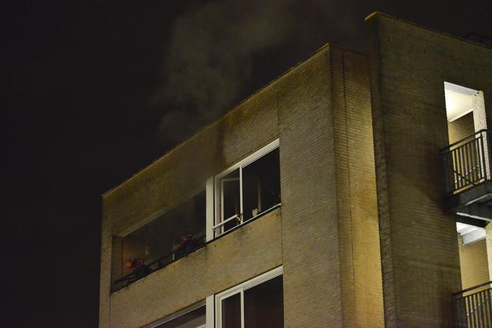 Er woedde brand in een woning van het ouderencomplex Princenhof in Breda.