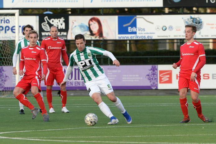 Archiefbeeld Rémon Koenen in de wedstrijd tegen AZVV
