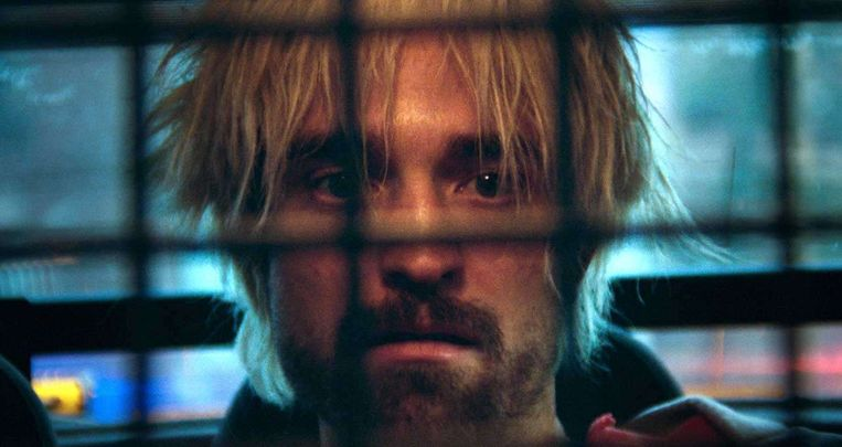 Robert Pattinson als straatcrimineel Connie in Good Time (Joshua en Benny Safdie, 2017). Beeld null
