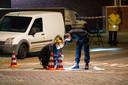 In de Zwolse wijk Holtenbroek werd iemand beschoten terwijl hij in zijn auto zat.