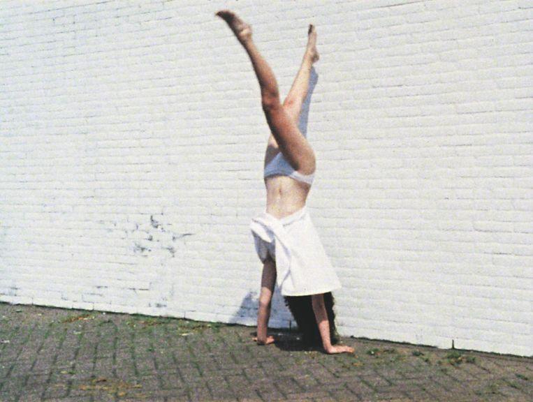 Still uit Handstand (1992) van Marijke van Warmerdam. Beeld null