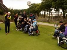 Gratis golfles voor mensen met een beperking op de Stippelberg in Bakel