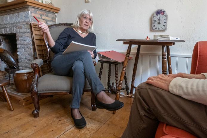 Eline van Andel: ,,Psychologisch advies moeten de mensen zelf betalen. Maar bedenk bijvoorbeeld bij relatietherapie dat scheiden veel duurder is.''