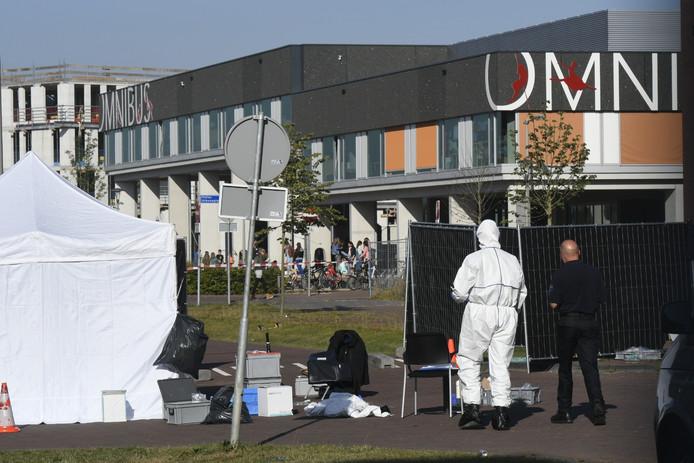 Onderzoek na de dodelijke schietpartij aan de Thaliastraat in Arnhem.