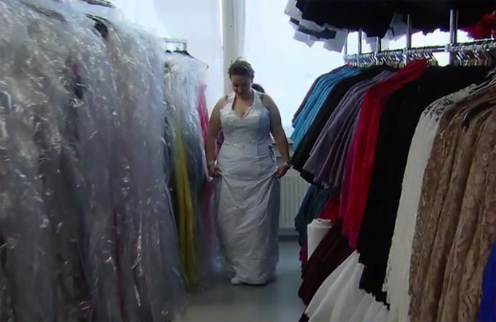Virginia bezocht ook een jurkenshop in Duitsland.