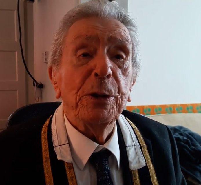 Oud-pastoor van Steensel Jan van Sambeek.