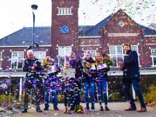 Sportprijzen Rijssen-Holten: Beachvolleybalsters Eva Schepers en Katijn Dekker sportploeg van het jaar