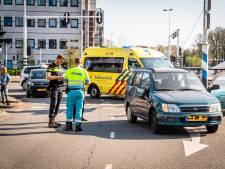 Fietser en auto botsen op kruising in Eindhoven: een van de twee reed door rood