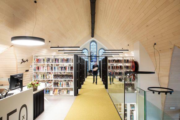 Bibliotheek van de gemeente die is ondergebracht in de parochiekerk op de Neder in Hoeselt sluit elf dagen om een nieuw uitleensysteem in te voeren.
