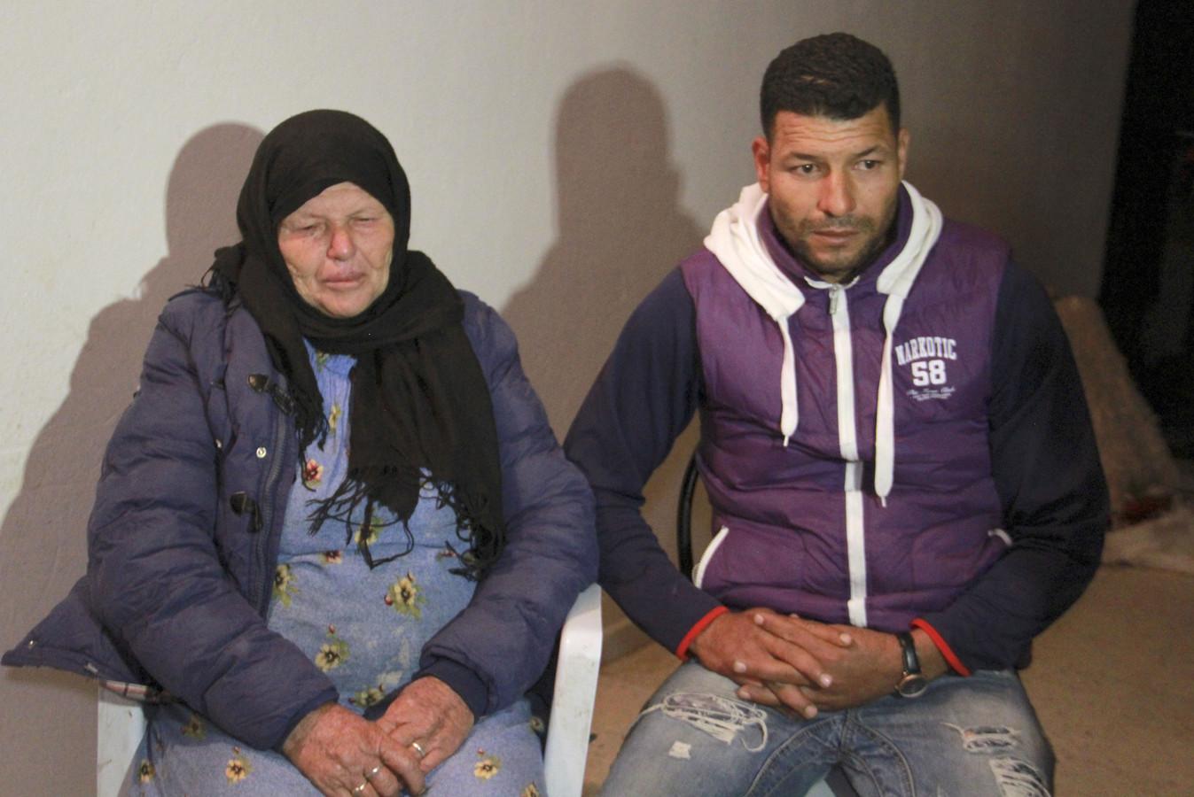 De moeder en broer van de aanslagpleger.