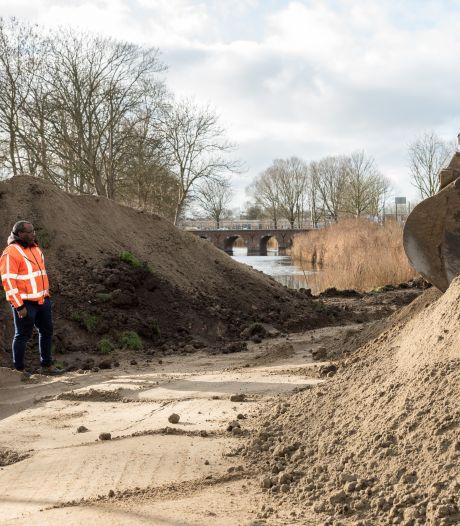 Dam in stadsgracht van Zierikzee heeft geen functie meer en wordt afgegraven