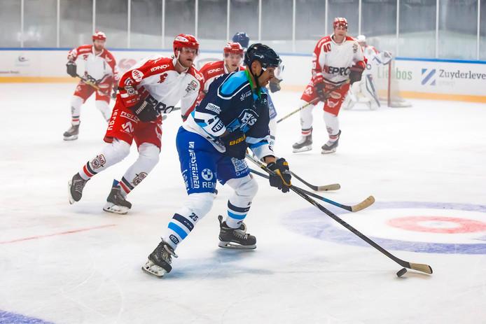 Bjorn Willemse (voorgrond) in actie namens Yeti's Breda.