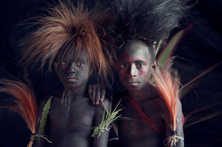 Beeld uit het boek Homage to Humanity. Kaluli, Mount Bosavi, Southern Highlands province, Kaluli, Papoea-Nieuw-Guinea Beeld Jimmy Nelson