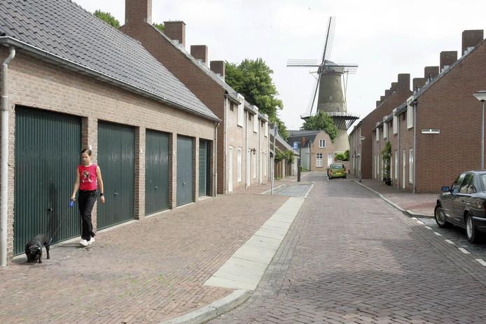 De Hulster stadsmolen gezien vanuit de Walmolenstraat.