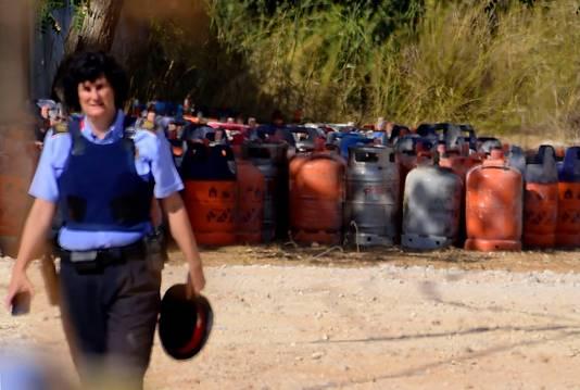In het huis in Alcanar vond de politie meer dan 100 gasflessen.