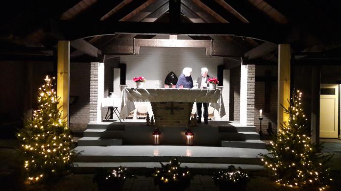 De eerste kerstdienst in de open lucht van de Toeristenkerk in Zoutelande in december.