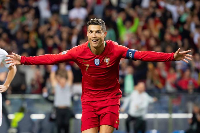 Cristiano Ronaldo loodste Portugal met een hattrick naar de finale van de Nations League.