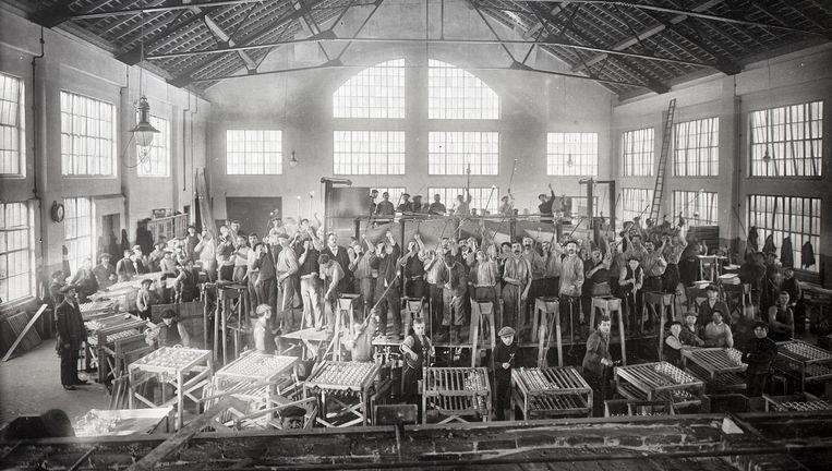 Een ongedateerde foto van de gloeilampenfabriek van Philips in Eindhoven. Beeld