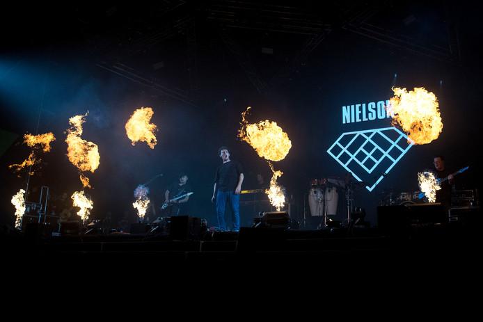 Nielson treedt op bij Appelpop.
