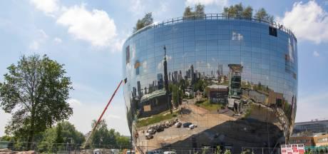 1664 spiegels uit de Achterhoek op nieuw museumdepot weerkaatsen de skyline van Rotterdam