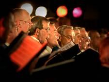 210 koormannen op podium Stadstheater