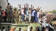 Duizenden betogers ondanks avondklok op straat na staatsgreep in Soedan