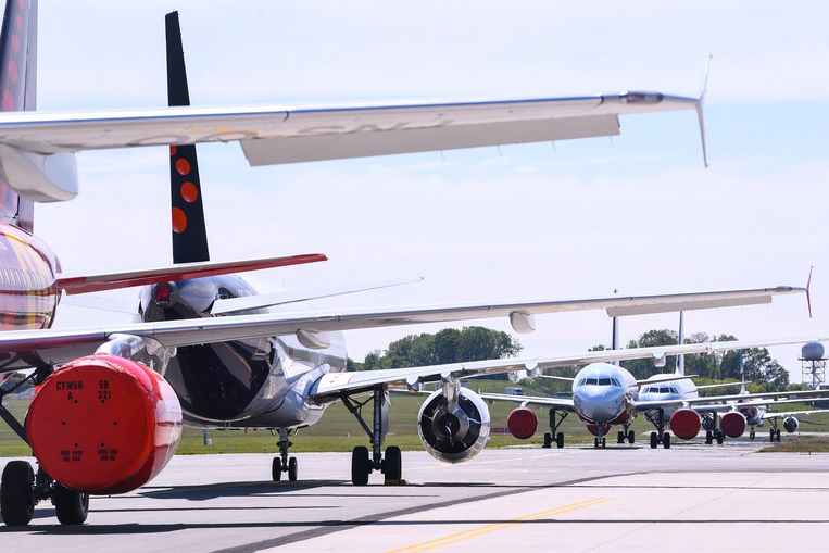 Vliegtuigen van Brussels Airlines staan stil op de tarmac in Zaventem.