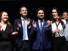 """La sortie des libéraux et écologistes passe mal auprès de la N-VA: """"Une volonté de garder Wilmès en selle"""""""