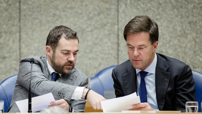 Staatssecretaris Dijkhoff van Veiligheid en Justitie en Premier Rutte