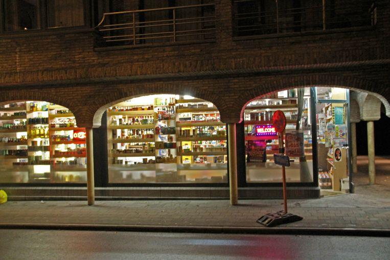 Een van de nachtwinkels in de stad.