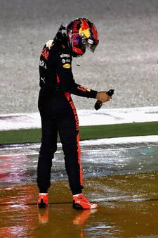 Verstappen niet te spreken over insturen Vettel: 'Zo'n risico neem je niet'