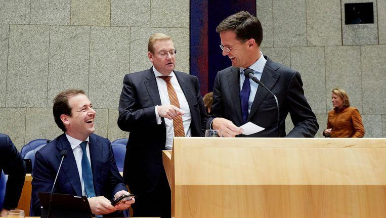 Ministers Lodewijk Asscher, Ard van der Steur en premier Mark Rutte. Beeld anp