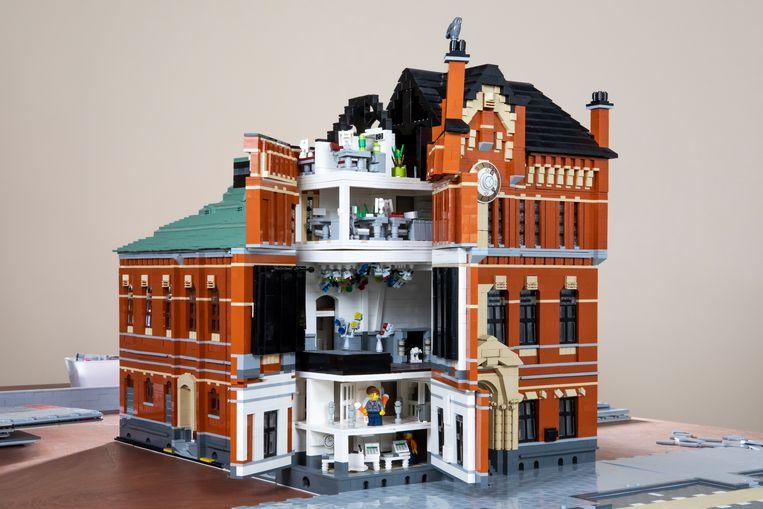 Poptempel Paradiso van LEGO.  Beeld Martijn Gijsbertsen