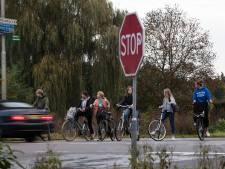 Middengeleiders, rood asfalt en een parallelweg; zo moet het eindelijk veilig worden tussen Deventer en Zutphen