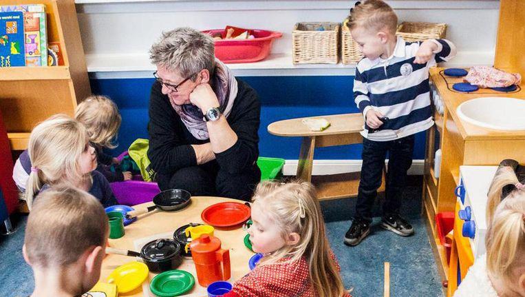 Op de voorschool in Schoonebeek, gemeente Emmen. Het peuteronderwijs, oftewel de voorschoolse educatie, maakt in Nederland een flinke groei door, ook voor peuters zonder achterstand. Beeld Aurélie Geurts