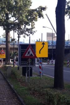 Hoe 12 meter geluidsscherm eruit ziet wordt gestaag zichtbaar op de Tilburgseweg in Goirle